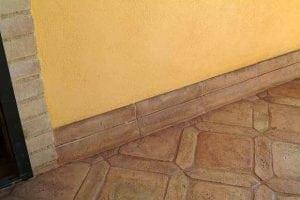 Battiscopa da esterno idee e soluzioni casina mia for Zoccolo casa moderna